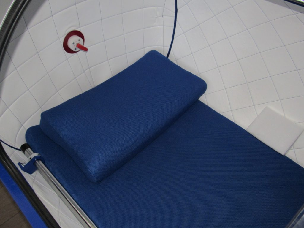 Hyperbaric Oxygen Therapy Chamber Bed